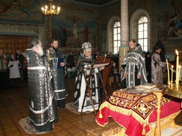 Великая Пятница в Троекуровском монастыре